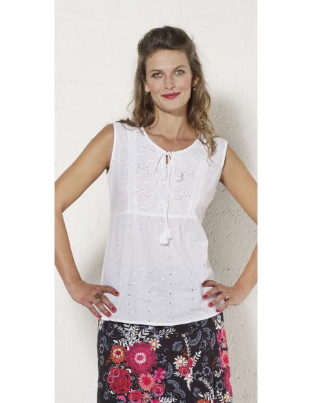 1 Blusa algodon blanca bordada sin mangas